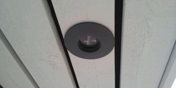 Montering av ledspotlights i takfot